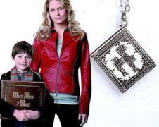 Bylo nebylo (Once Upon a Time) - náhrdelník Henryho kniha pohádek