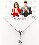 Sběratelé kostí - náhrdelník kost