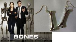 Sběratelé kostí - náušnice Kůstka