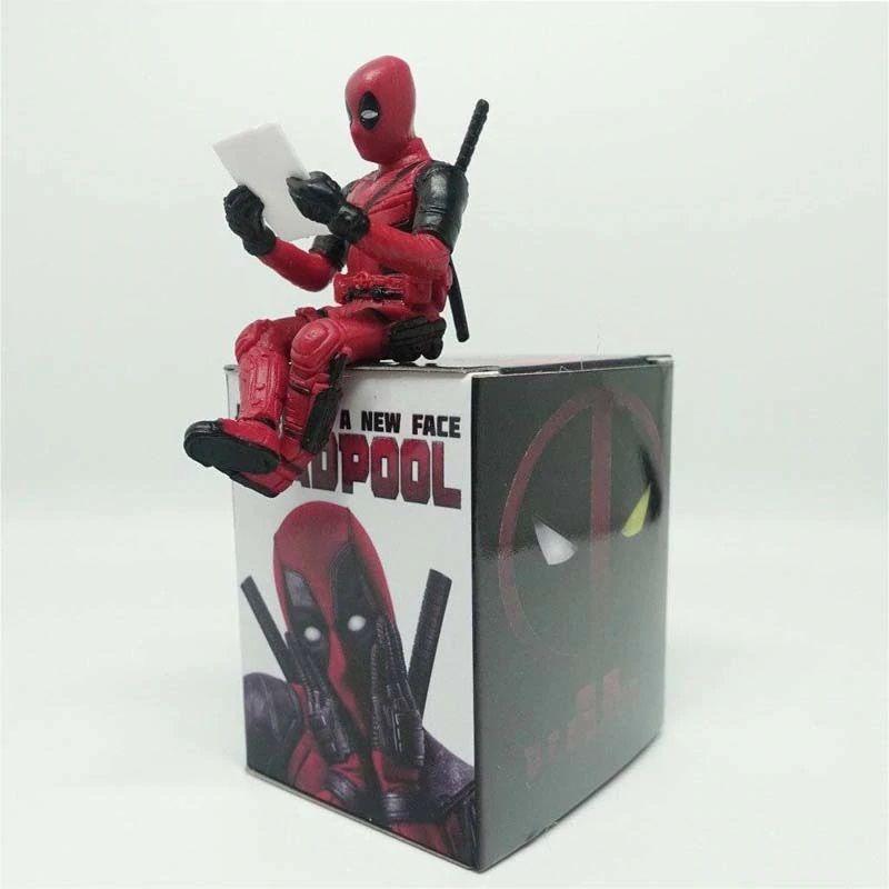 Deadpool - sedící figurka