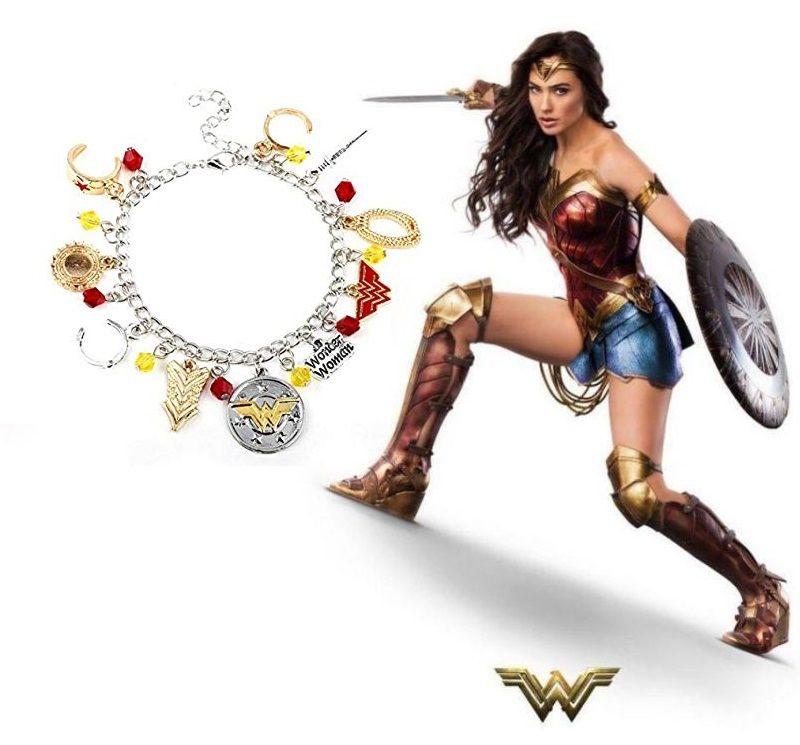 Wonder Woman náramek s přívěsky