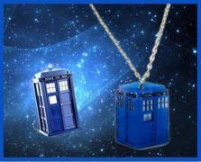 náhrdelník Doctor Who - Tardis plochý
