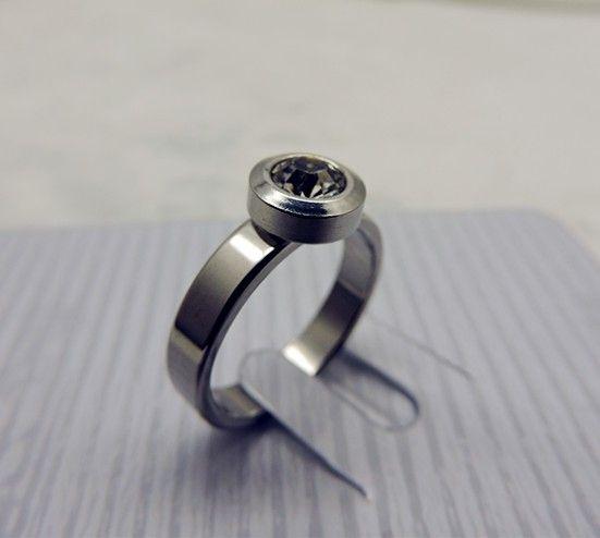 Briliantový prsten zásnubní (ocel, zirkon)