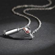 náhrdelník láhev vína se sklenkou (kamínky)
