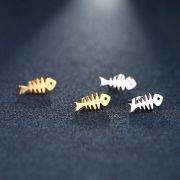 ocelové náušnice kostra ryby