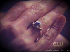 Vampire Diaries (Upíří deníky) - Elenin prsten