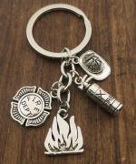 Přívěsek na klíče hasič
