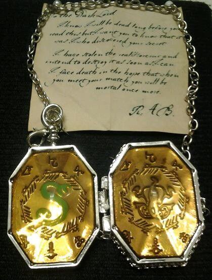 Viteál Harry Potter - Zmijozelův medailon otevírací